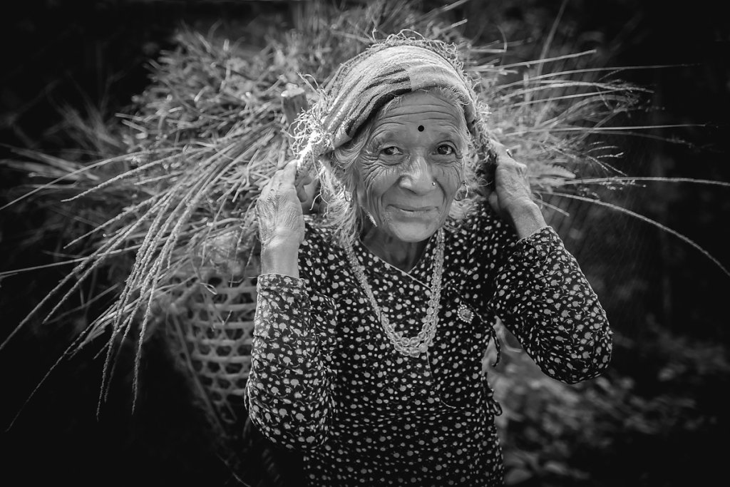 Wundervolle alte Dame